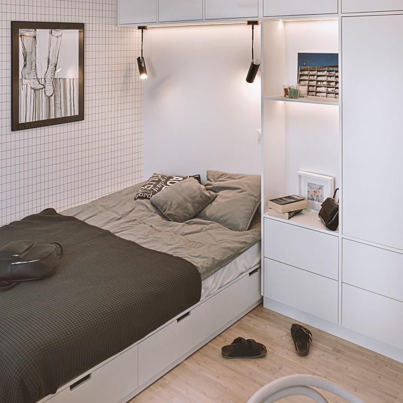 W stosunkowo niewielkim pokoju córki rozplanowałyśmy każdy centymetr– dzięki czemu znalazło się w nim <b>miejsce dla wielkiego łóżka, pojemnej szafy oraz biurka</b>